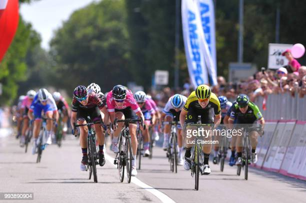 Sprint / Arrival / Jolien DHoore of Belgium and Team Mitchelton-Scott / Kirsten Wild of The Netherlands and Team Wiggle High5 Points Jersey / Alexis...