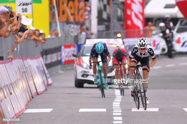 Sprint / Arrival / Ruth Winder of The United States and Team Sunweb / Tayler Wiles of The United States and Team Trek - Drops / Alice Maria Arzuffi...