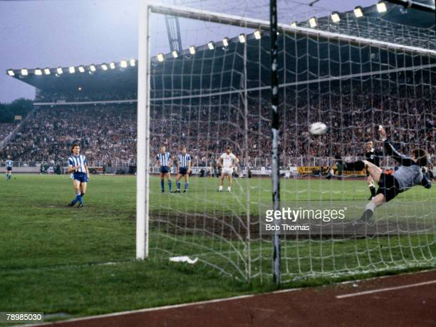 19th May 1982 UEFA Cup Final 2nd Leg Hamburg 0 v Gothenburg 3 Gothenburg's Stig Fredriksson scores their 3rd goal from the penalty spot