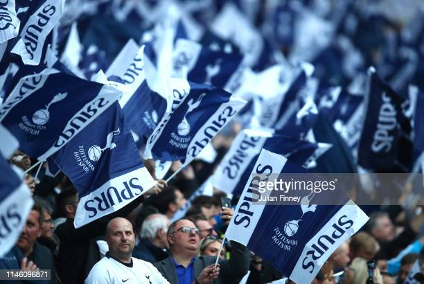 Spurs fans welcome their team prior to the UEFA Champions League Semi Final first leg match between Tottenham Hotspur and Ajax at at the Tottenham...