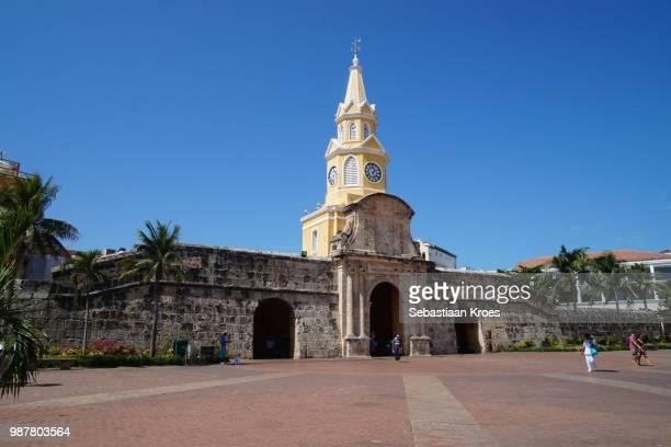 square at the clock tower of cartagena, people, cartagena, colombia - unesco stock-fotos und bilder