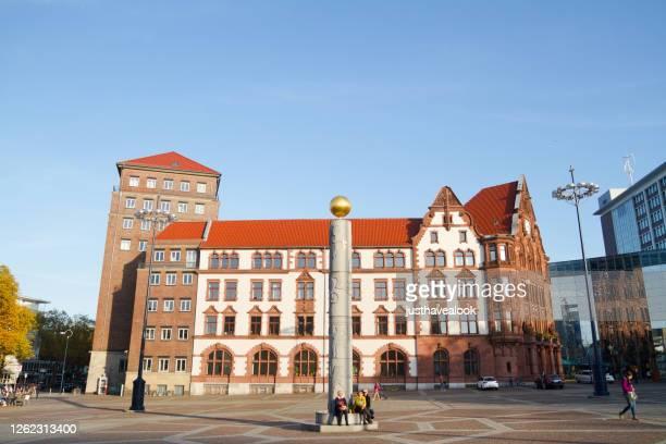 kvadrerar friedensplatz i dortmund och registerkontoret - dortmund stad bildbanksfoton och bilder