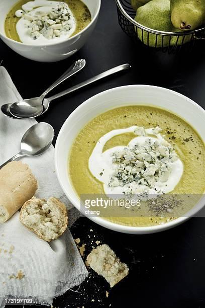 squash soup - blauwschimmelkaas stockfoto's en -beelden