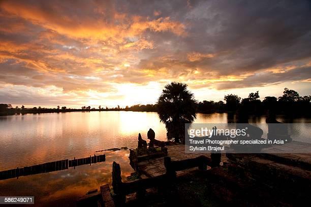 srah srang, angkor, cambodia -  brajeul sylvain photos et images de collection