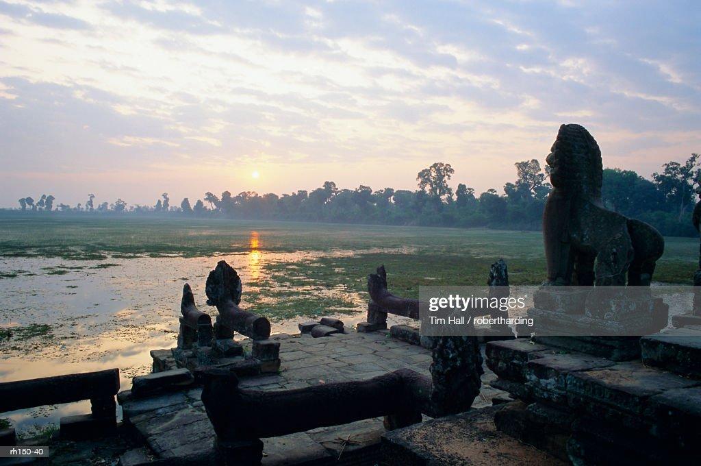 'Sras Srang (royal bathing pool) reservoir, Ankor, Thailand, Asia' : Foto de stock