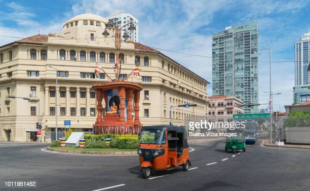 sri lanka. colombo. traffic downtown colombo. - colombo stock pictures, royalty-free photos & images