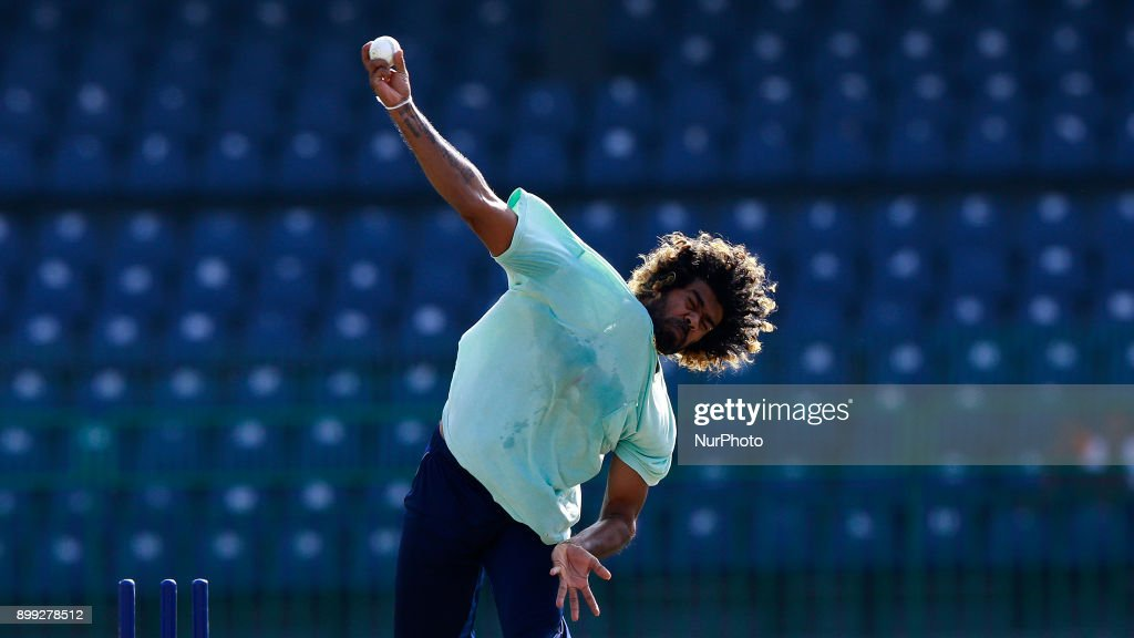 Sri Lanka cricketer Lasith Malinga delivers a ball during a training session at R Premadasa cricket stadium, Colombo, Sri Lanka on Thursday 28 December 2017. Sri Lanka will be leaving to Bangladesh on Saturday, 13th January to take part in a Tri-Nation One Day International cricket Tournament with Bangladesh and Zimbabwe followed by two test matches and two Twenty-20 matches against host Bangladesh.