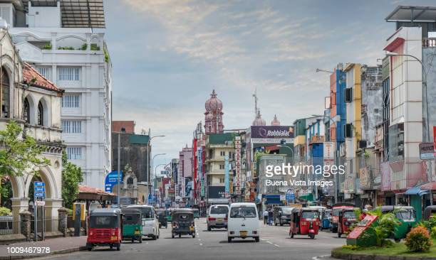 sri lanka, traffic downtown colombo - colombo stock pictures, royalty-free photos & images