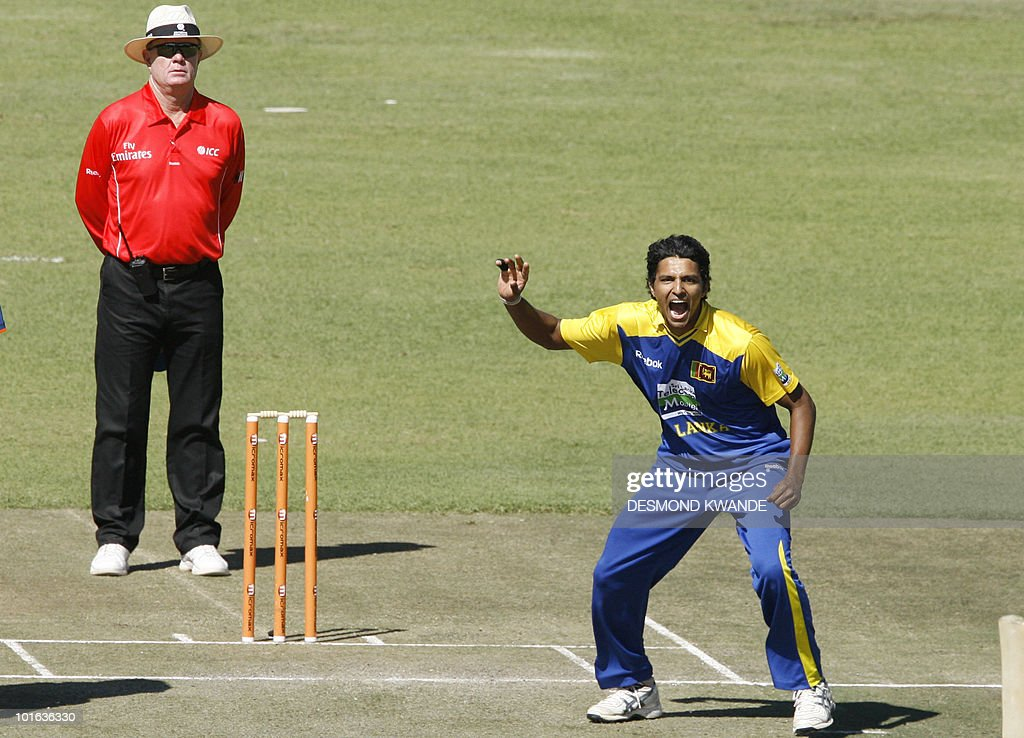 Sri Lankan bowler Suraj Randiv (R) makes a successful appeal of Indian batsman Yusuf Pathan at Harare Sports Club on June 5, 2010 in the fifth match of the Micromax Cup Triangular One-Day cricket series hosted by Zimbabwe. Sri Lanka captain Tillekeratne Dilshan won the toss and opted to put India in to bat in the fifth match of the triangular one day series in a match that the Indians must win to entertain hopes of making the final. AFP PHOTO / Desmond Kwande
