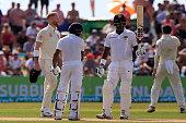 sri lankan cricketer angelo mathews celebrates