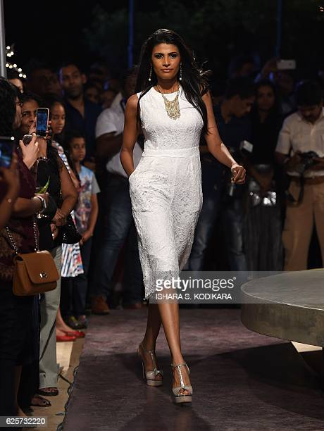 A Sri Lankan model displays a creation by local designer Odel during a fashion event in Colombo on November 25 2016 / AFP / Ishara S KODIKARA