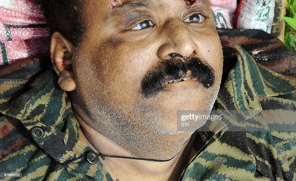 CORRECTING SOURCE Sri Lankan soldiers ca : News Photo