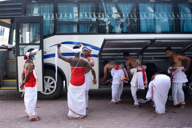 LKA: Nawam Perahera Festival
