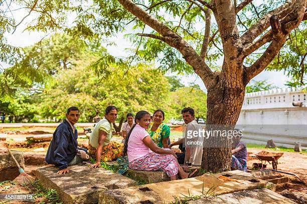 sri lankan workers - editorial stock pictures, royalty-free photos & images