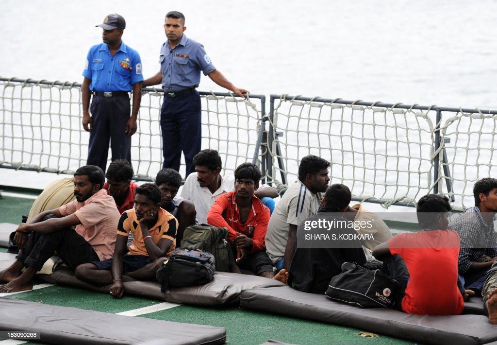 SRI LANKA-AUSTRALIA-IMMIGRATION-REFUGEE-NAVY-TRANSPORT : News Photo
