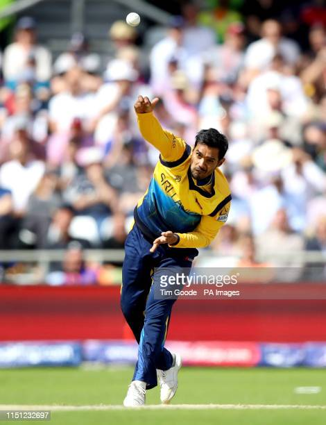 Sri Lanka's Dhananjaya de Silva bowls during the ICC Cricket World Cup group stage match at Headingley Leeds
