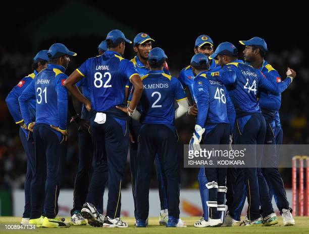 Sri Lanka's team captain Angelo Mathews talks with teammates during the second oneday international cricket match between Sri Lanka and South Africa...