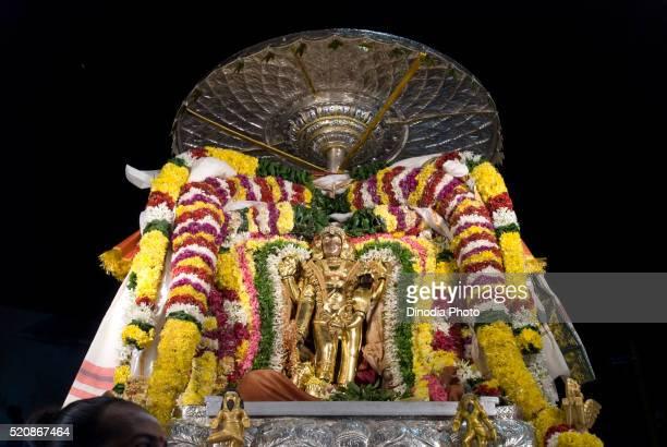 sri pikshandavar shiva thanga meru vahanam, procession karthikai deepam festival in arunachaleshwara temple thiruvannamalai - meru filme stock-fotos und bilder