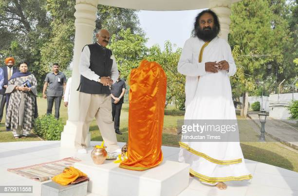 Sri Ravi Shankar Founder Of Art Living Along With Punjab Governor Vp Singh Badnore