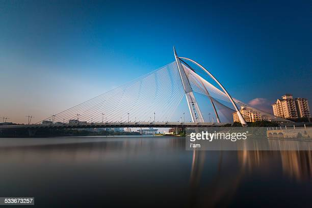 sri wawasan bridge, putrajaya, malaysia - putrajaya stock photos and pictures
