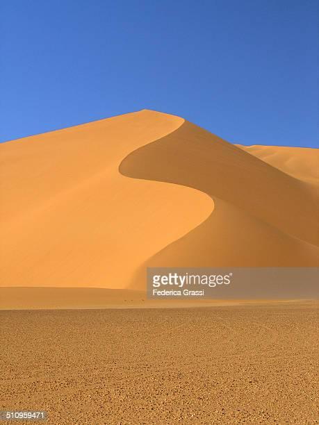 S-shaped sand dune in Sahara