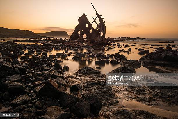 s.s.speke shipwreck at phillip island, australia - ship wreck stock pictures, royalty-free photos & images