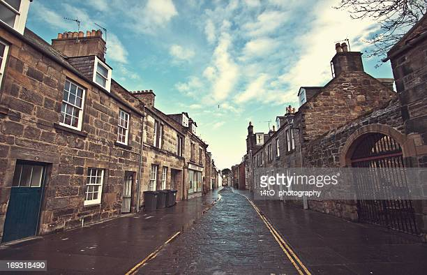 st andrews - lonely alley - fife scotland stock pictures, royalty-free photos & images