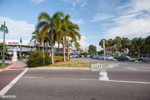 st. armands circle, sarasota, florida - sarasota stock pictures, royalty-free photos & images