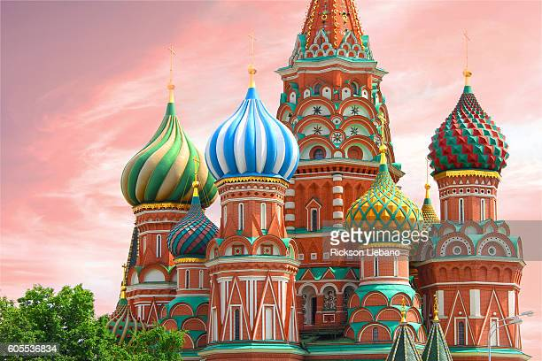 st. basil's cathedral in red square - moscow, russia - moscow russia stock pictures, royalty-free photos & images
