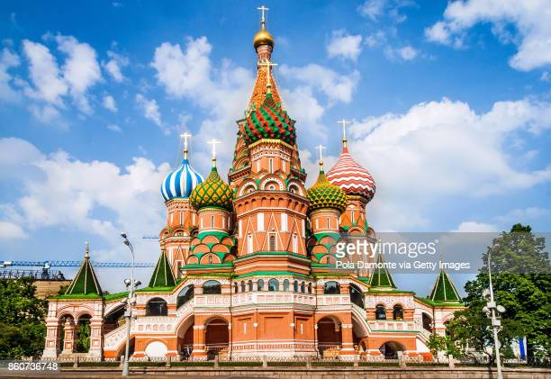 st basil's cathedral, in red square, moscow, russia - cathedral stock pictures, royalty-free photos & images