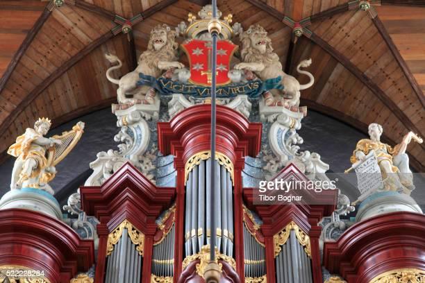 st bavo church in haarlem, netherlands - haarlem fotografías e imágenes de stock