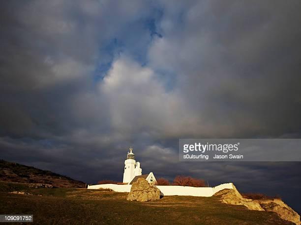 st catherine's lighthouse - s0ulsurfing fotografías e imágenes de stock