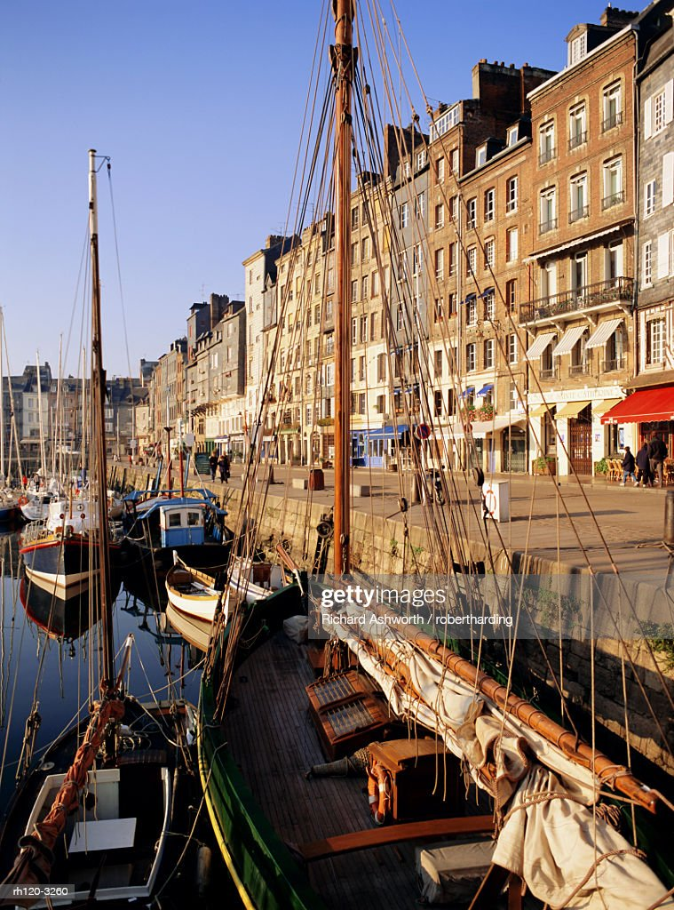 St. Catherine's Quay, Old Harbour, Honfleur, Basse Normandie (Normandy), France, Europe : Stockfoto