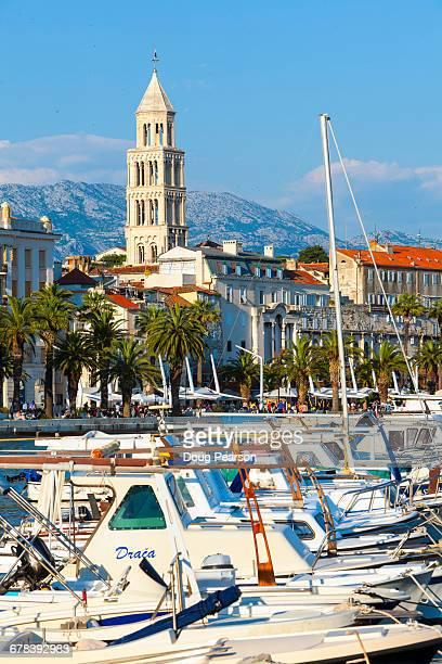 st. domnius cathedral bell tower and picturesque harbour, stari grad (old town), split, central dalmatia, croatia, europe - luogo d'interesse locale foto e immagini stock
