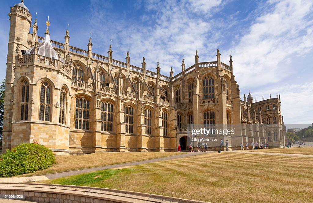 St George's Chapel, Windsor Castle, with Blue Sky, Berkshire, England. : Stock Photo