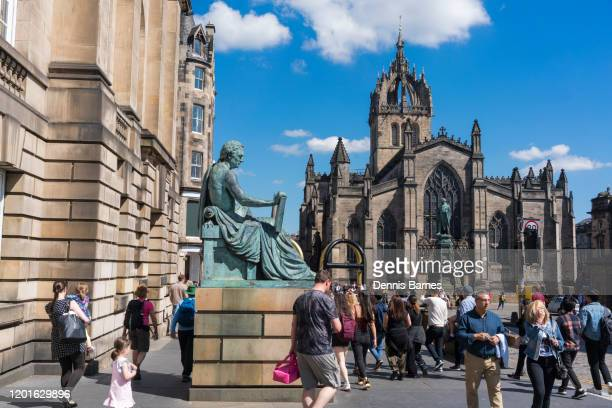 st giles cathedral, royal mile, central edinburgh, scotland uk - royal cathedral stock pictures, royalty-free photos & images