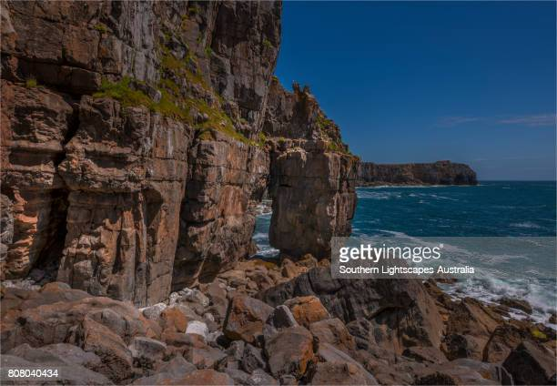 st. govan's head and coastline, pembrokeshire, wales, united kingdom. - govan stock pictures, royalty-free photos & images