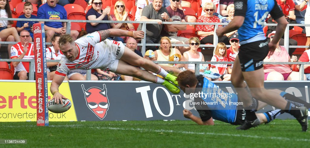 St Helens v Hull FC - Betfred Super League - Totally Wicked Stadium : News Photo