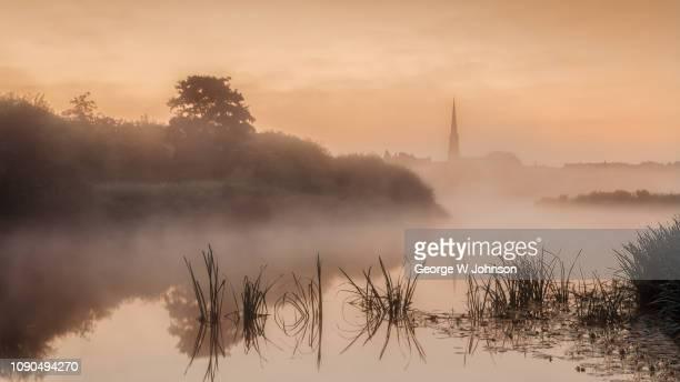 st ives at dawn - ケンブリッジシャー州 ストックフォトと画像
