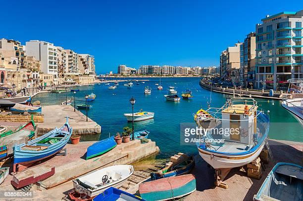 st. julian's bay malta - マルタ島 ストックフォトと画像