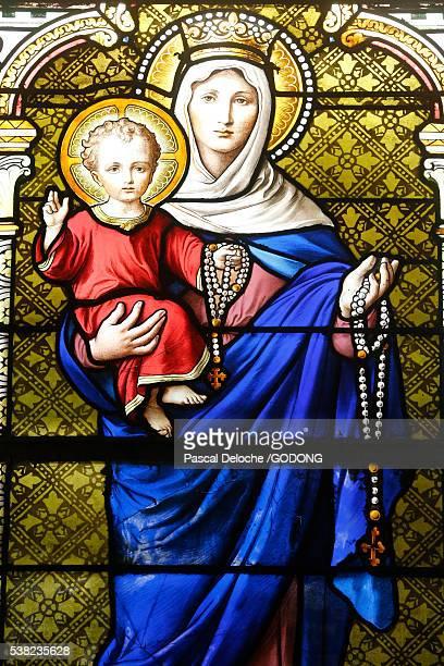 st justin's church. virgin and child. - madonna del rosario foto e immagini stock