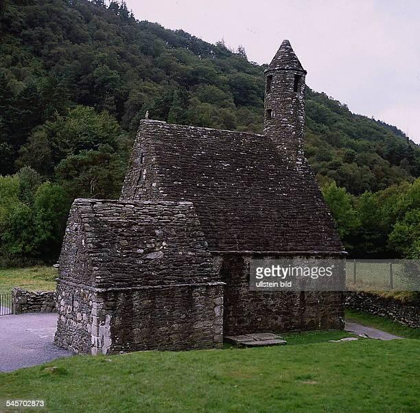 St Kevins's Church in derKlostersiedlung Glendalough ProvinzWicklow an der Ostküste 1993