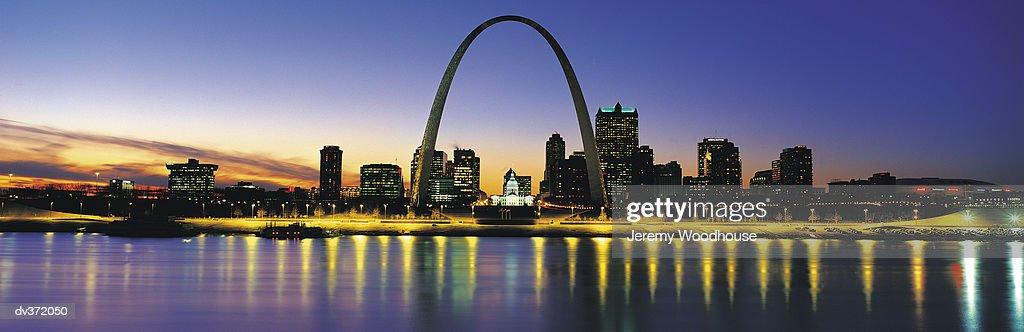 St Louis at sundown : ストックフォト