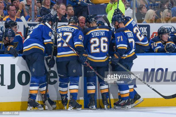 St Louis Blues head coach Mike Yeo talks over plays during a timeout against the Dallas Stars on October 7 2017 at Scottrade Center in St Louis...