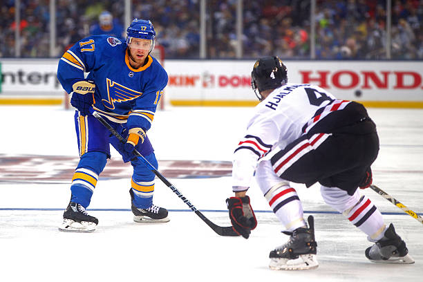 info for feb92 a5120 NHL: JAN 02 Winter Classic - Blackhawks at Blues Pictures ...