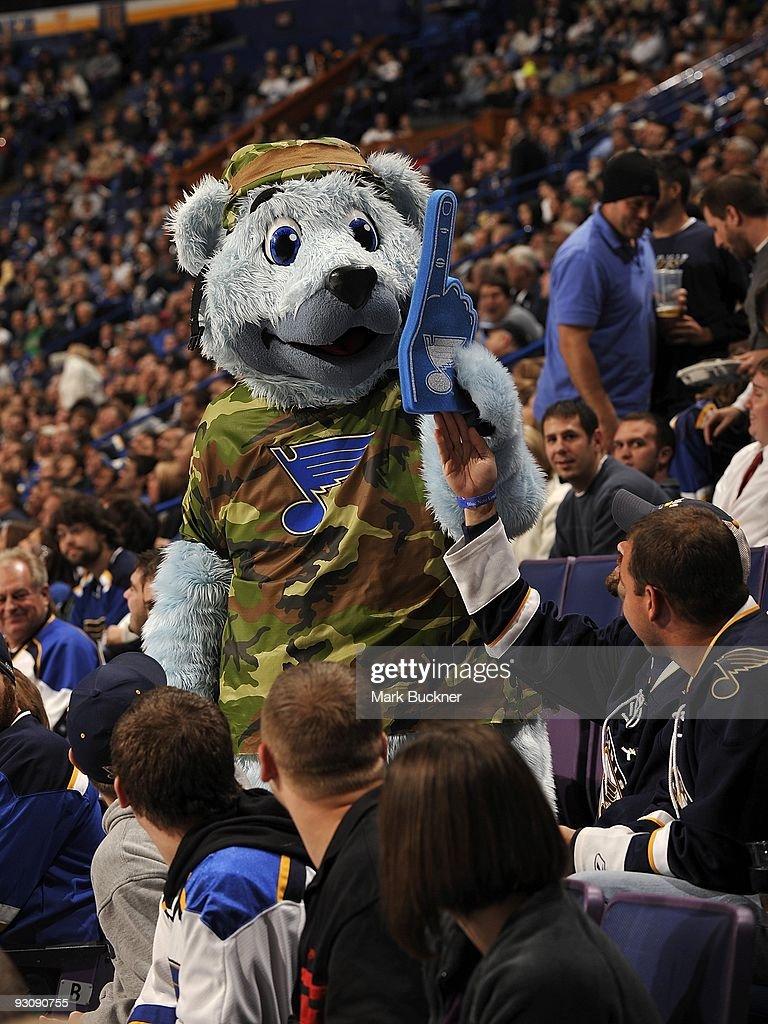 Nashville Predators v St. Louis Blues : News Photo