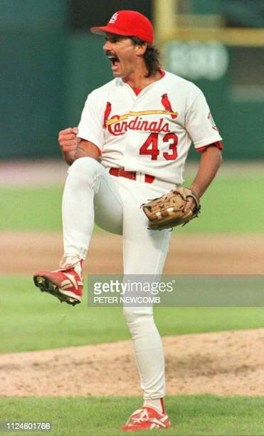 St Louis Cardinals' Dennis Eckersley celebrates after pitching the last out against the San Diego Padres 01 October of their National League...