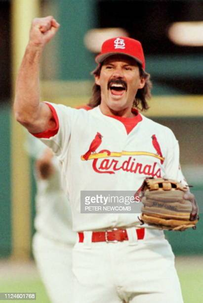 St Louis Cardinals relief pitcher Dennis Eckersley reacts after pitching the final out against San Diego Padres 03 October during the ninth inning of...