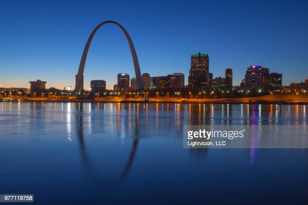 st. louis, missouri downtown skyline - mississippi river stock pictures, royalty-free photos & images