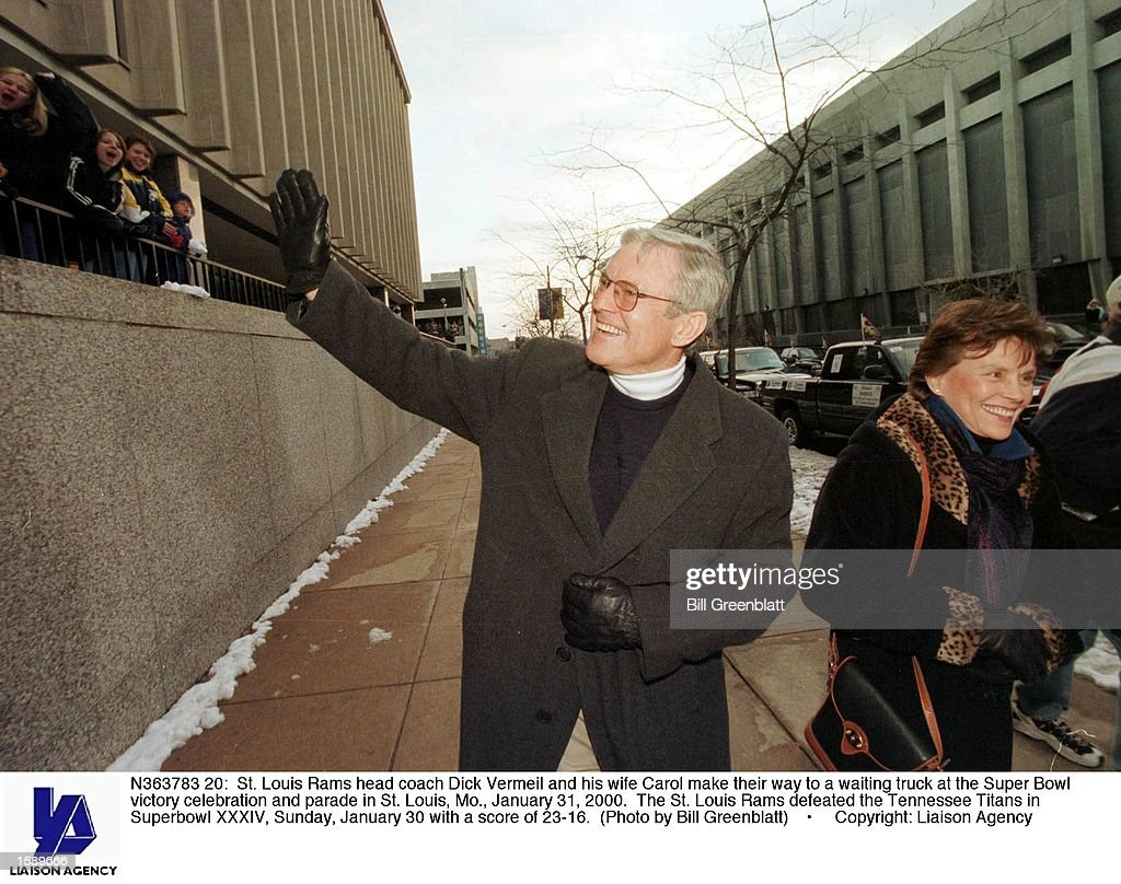 St Louis Rams Head Coach Dick Vermeil And His Wife Carol Make Their News Photo Getty Images